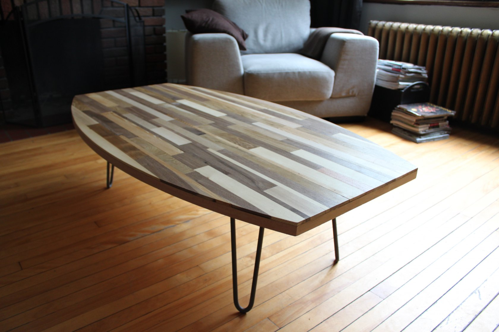 Table basse en bois recycl meubles sur mesure for Table bois salon