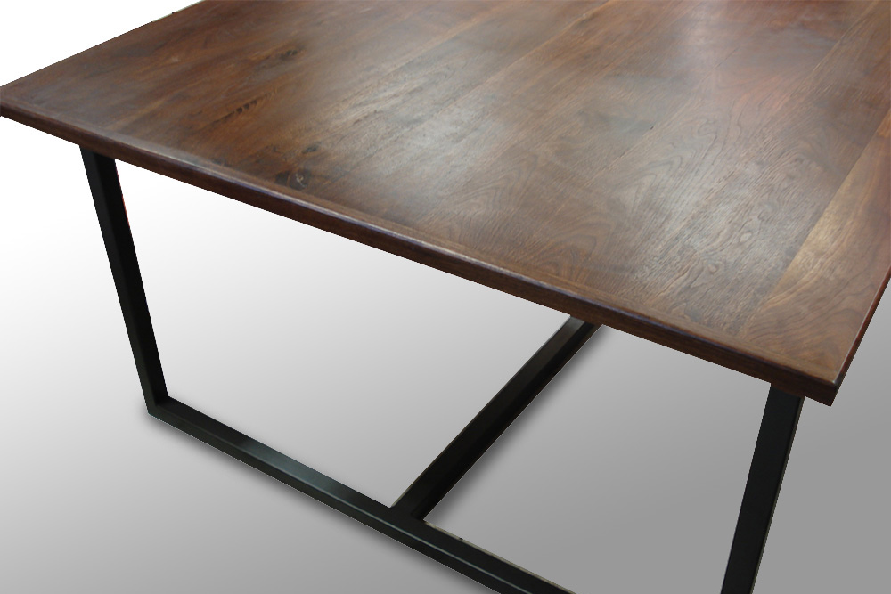 table noyer et metal anthracite 1600