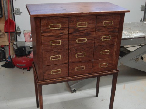 meuble en chene 12 tiroirs 1800
